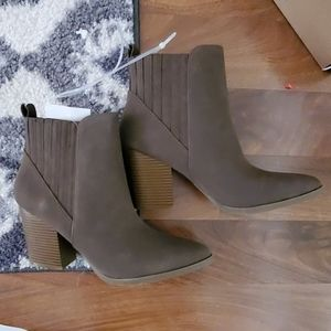 Brown boots 9.5